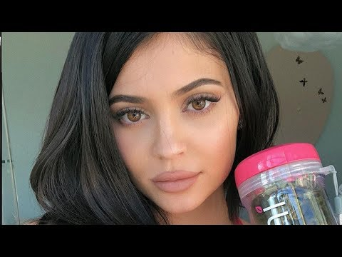 Kylie Jenner Using DISTRACTIONS To HIDE Second Pregnancy!
